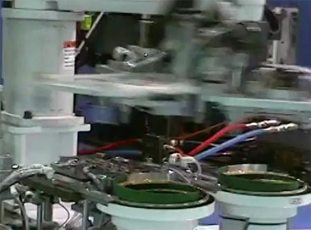 [한양로보틱스] 수직사출기 너트 인서트 시스템