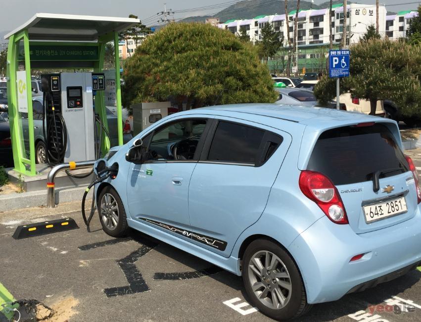 전기산업 :: 전기자동차 충전 걱정 끝! 도내 어디서나 충전 가능!
