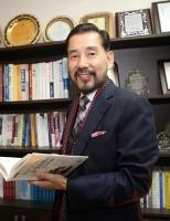 인생 사계절 10년 주기 '석하리듬' 개발한 동양미래학자 석하 소재학 교수