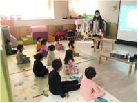 강동구, 반려로봇 '리쿠'가 들려주는 구연동화 교육 시범 운영